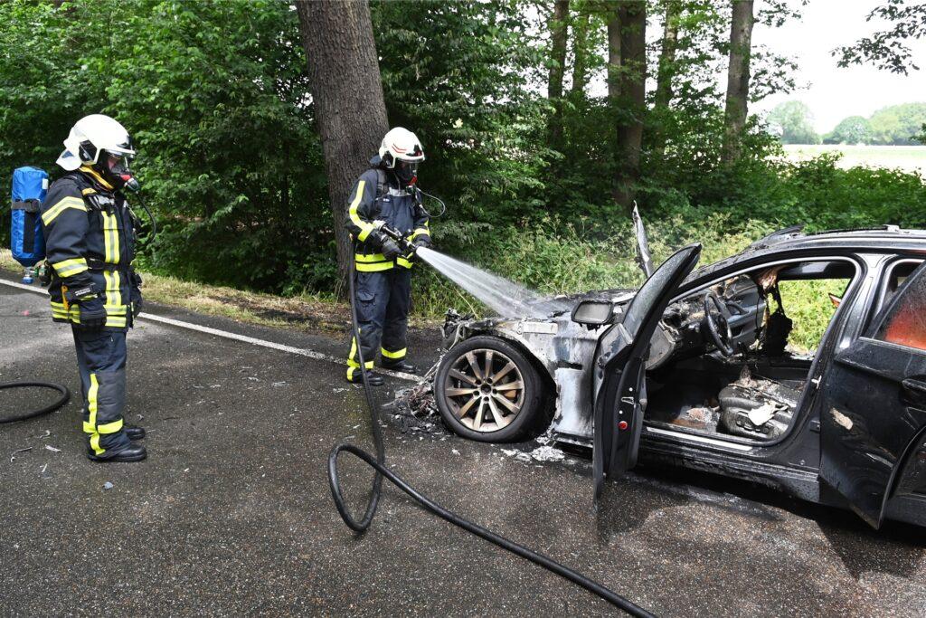 Die Feuerwehr konnte nur noch den Brand löschen.