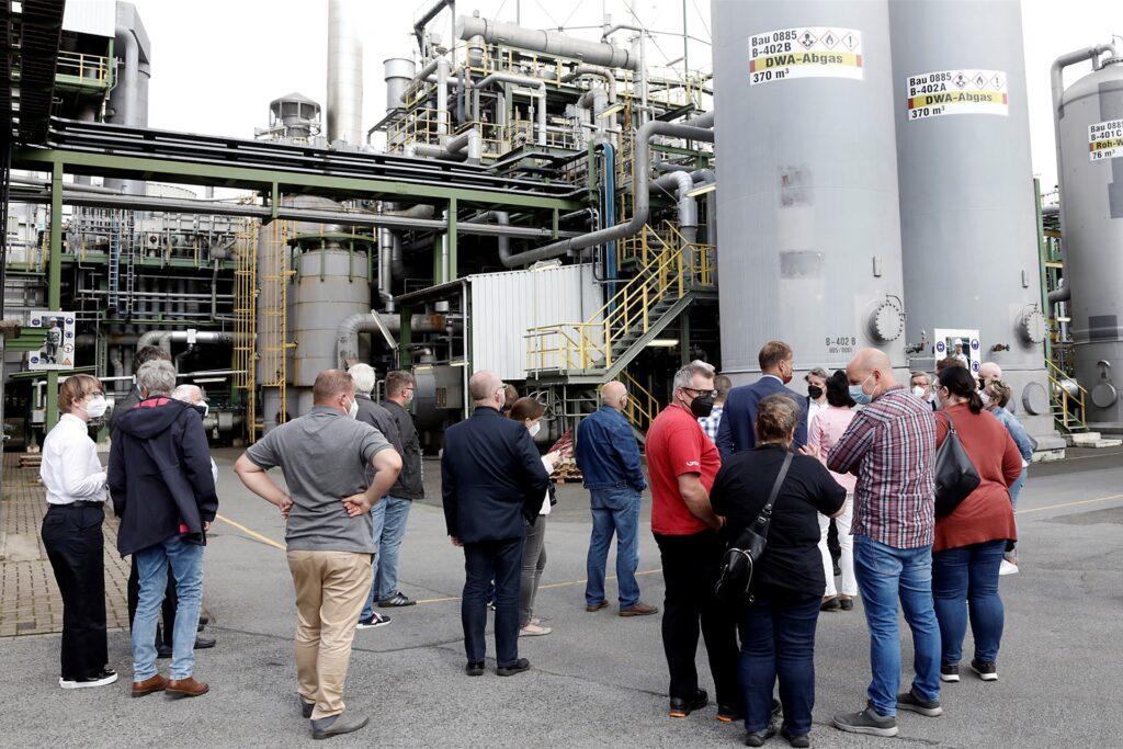 Die Marler Politiker besichtigten die wichtigsten Projekte im Chemiepark.