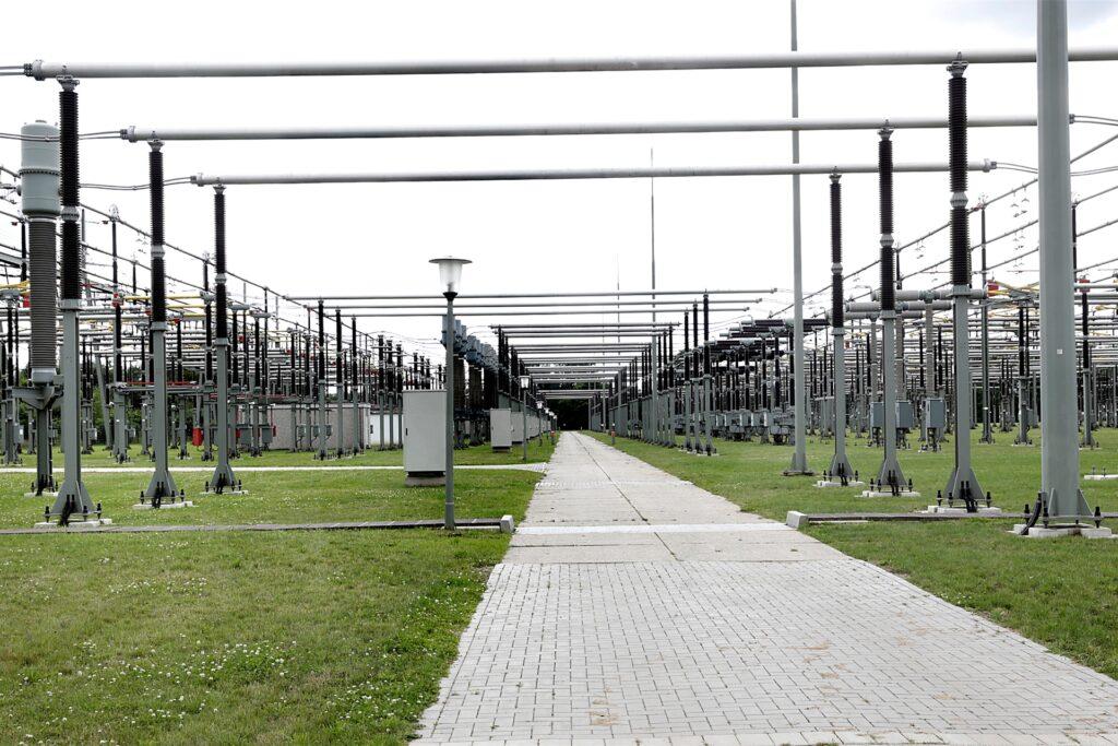 Das Umspannwerk Kusenhorst erstreckt sich über etwa einen Kilometer.