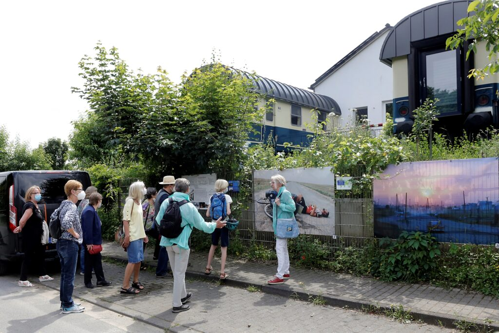 Zweite Stadtion der Tour  waren die Waggons, in denen der Marler Fotograf Marco Stepniak wohnt.