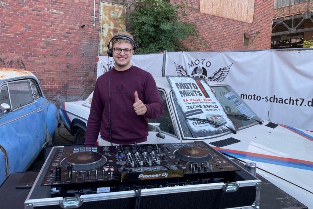DJ Child aus Recklinghausen sorgt für entspannte Sounds in der Chillout-Lounge auf der Zeche Ewald.