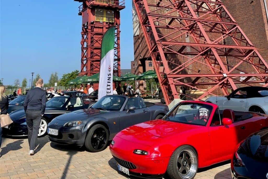 62 Autos sind bei dem MX5-Treffen auf Schlägel & Eisen zu bestaunen.